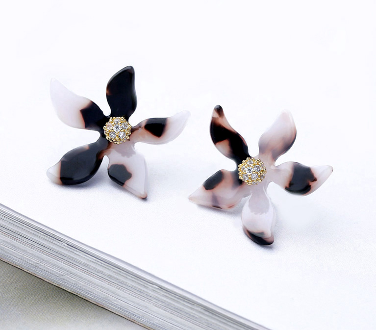 Tortoiseshell Flower Earrings